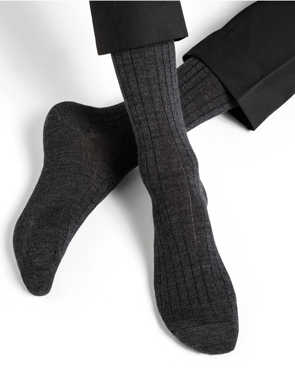 Wool socks with cotton inside