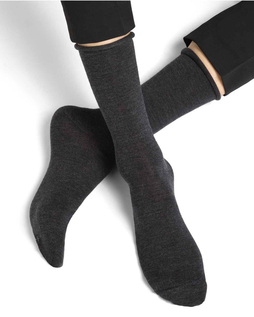 Fine wool socks with rolled edge