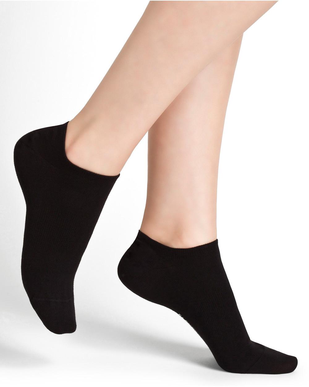 Low cut sports socks