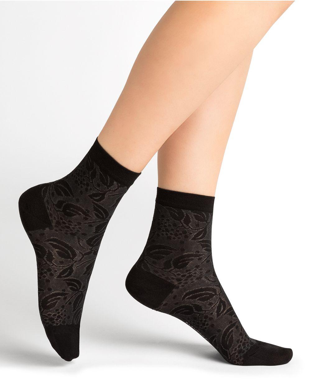 Elderberry Pattern Silk Lace Short Socks